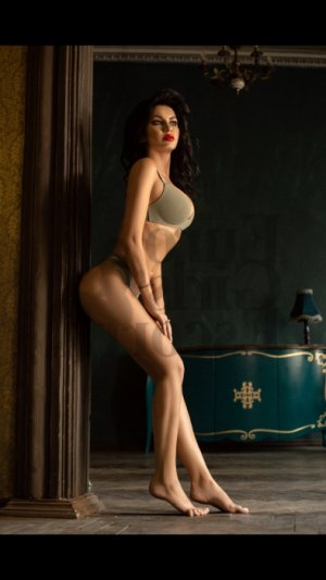 Mellinda escort and erotic massage