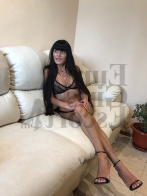 Evelise live escorts in Casper & happy ending massage