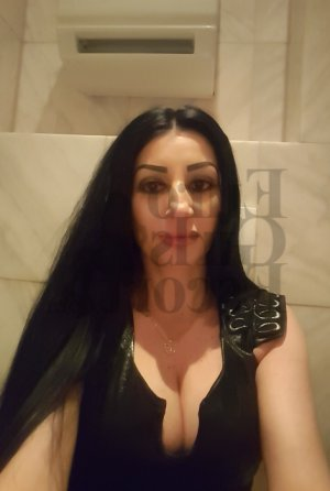 Marie-eveline live escort & erotic massage