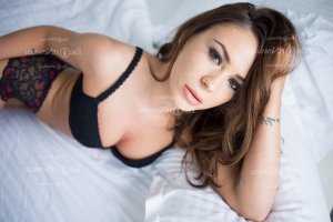 Ennemonde escort girl and happy ending massage