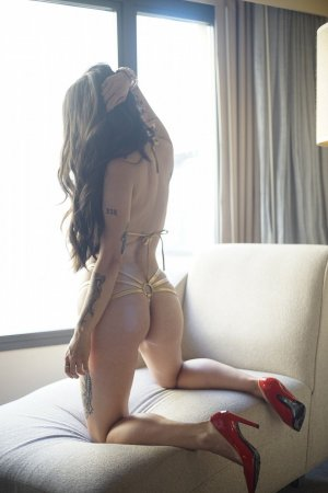 Nadine tantra massage, escort