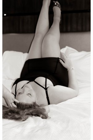 Cyanna escorts in Stayton, thai massage
